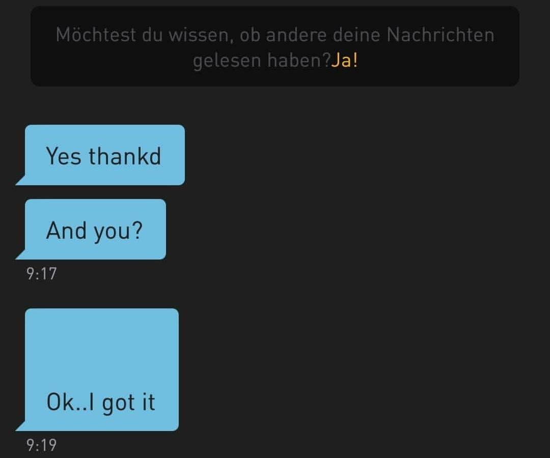 """Das Build zeigt einen Screenshot der Dating App Grindr. Zwei Sprechblasen sind zu sehen mit dem Text. """"bist du okay?"""" und """"ja, danke""""."""